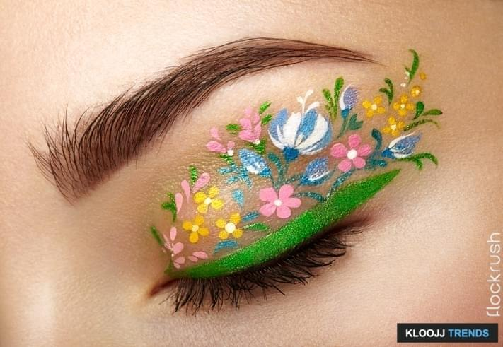 how to apply winged liquid eyeliner