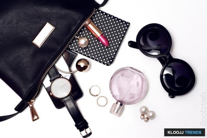 minimalist wardrobe women